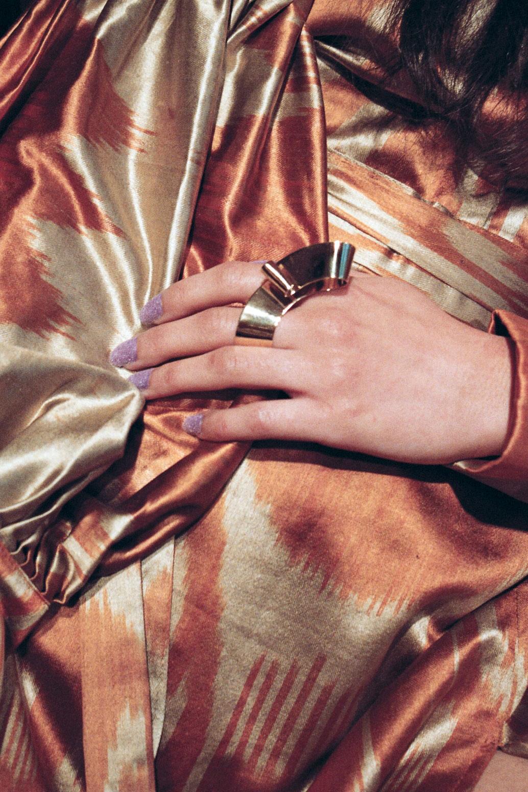Kaltblut - Exclusive womensware editorial. Par Jeremy Benkemoun